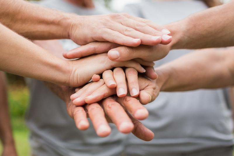 Более 80 одиноких пенсионеров навестили в праздники атырауские волонтеры