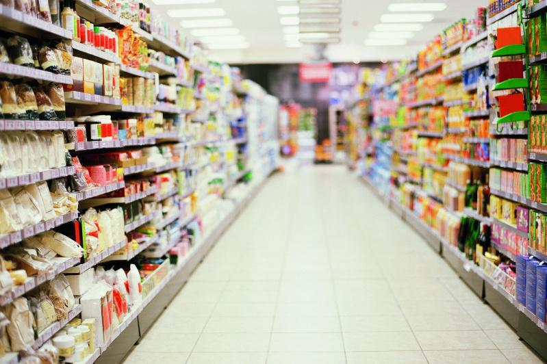 С 26 марта в Алматы будут работать только продовольственные магазины и аптеки