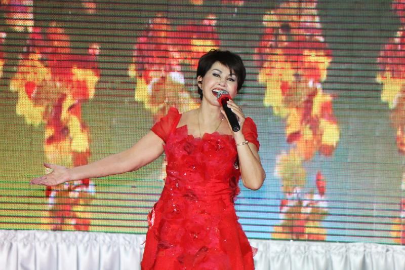 Звезда на карантине: Роза Рымбаева даст концерт онлайн