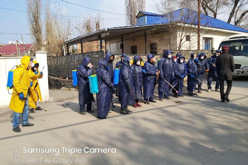 Как проходит дезинфекция дворов, улиц, дорог, детских площадок в Алматы