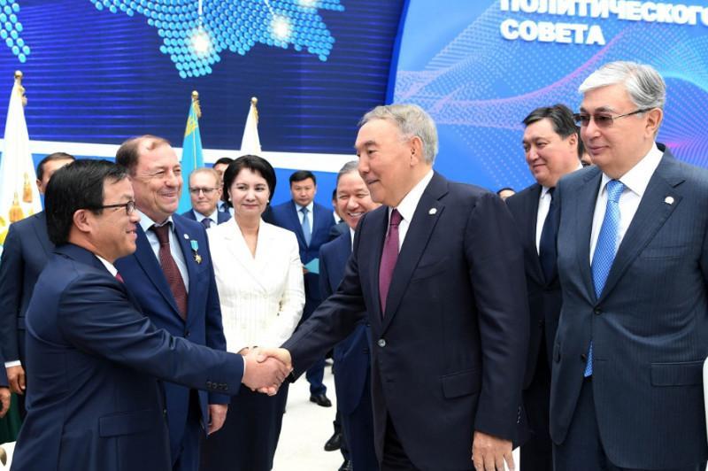 Все силы Nur Otan направить на поддержку инициатив Президента в борьбе с коронавирусом – Нурсултан Назарбаев
