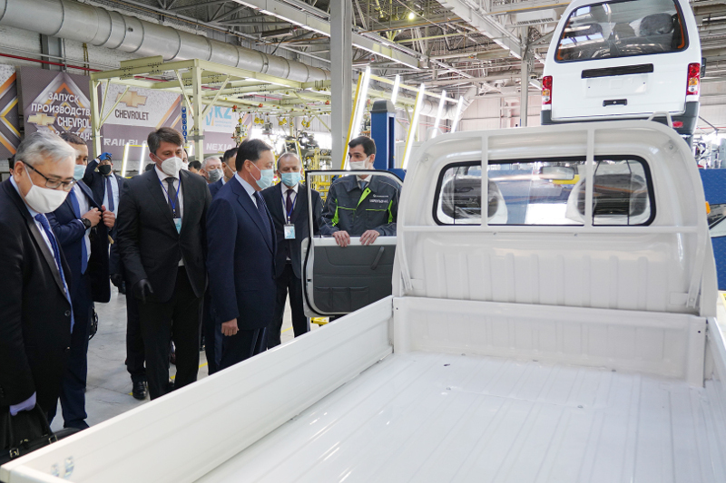 Kazakh and Uzbek PMs launched joint production of new cars in Kostanay