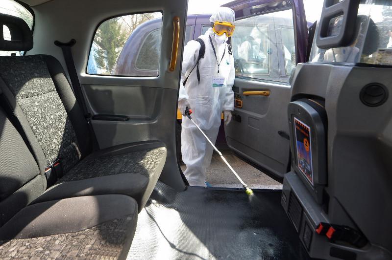 Ежедневную дезинфекцию проходят официальные такси в Нур-Султане