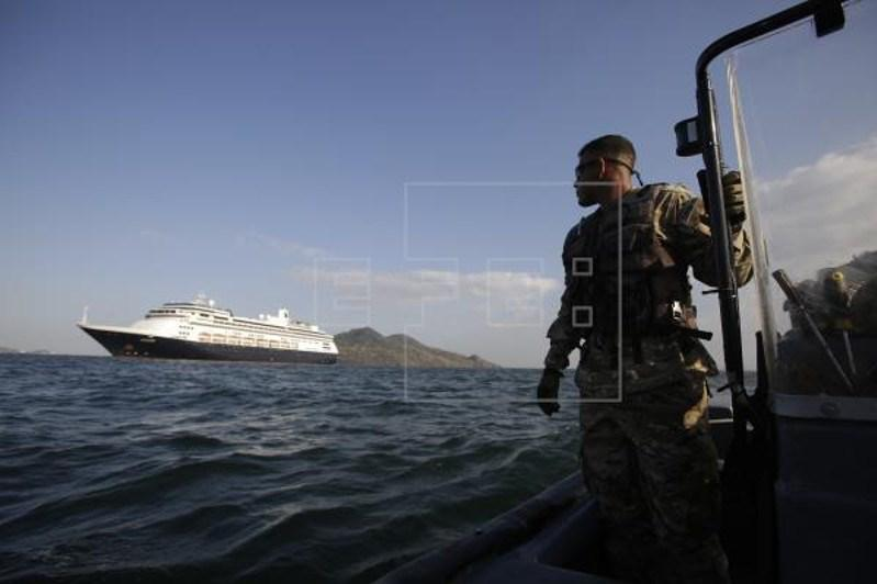 Panama to allow coronavirus-hit cruiseliner through canal