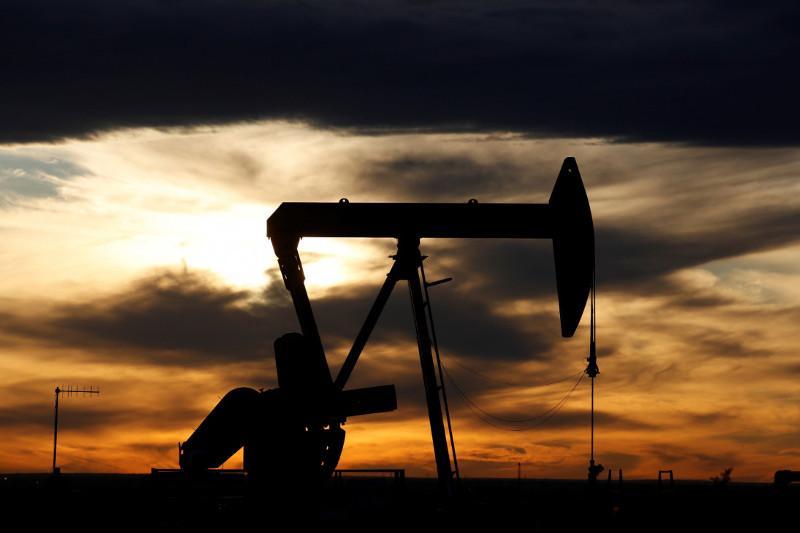 Цены на сырую нефть упали