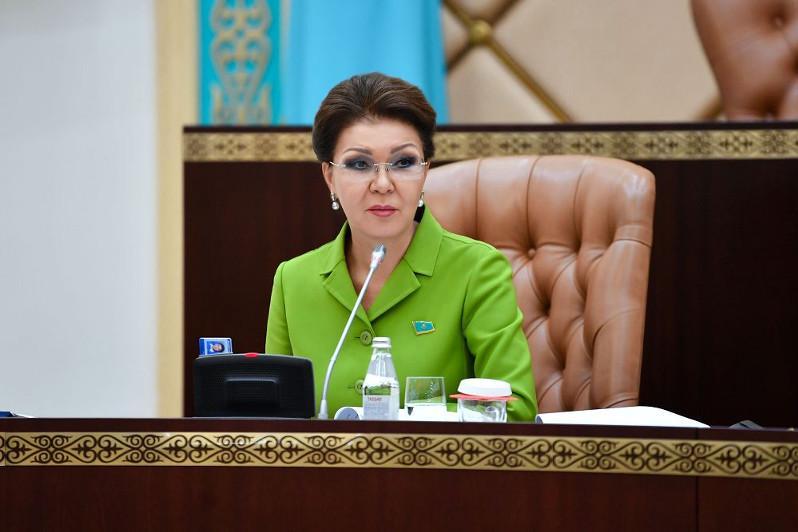 Өнеркәсіптік саясатты түбегейлі қайта қарау қажет - Дариға Назарбаева