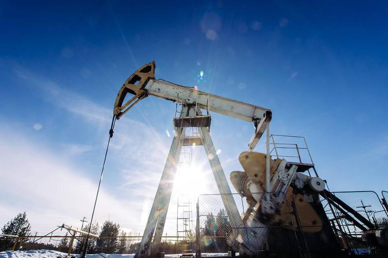 Brent futures fall below $22/bbl first time since March 2002