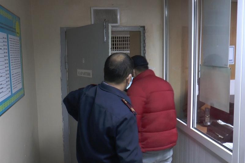 Алматыда көшеде кәуап пісірген 22 жастағы жігіт қамауға алынды