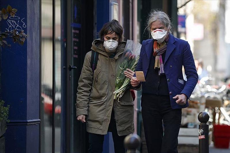 France virus deaths up by over 400 amid strict lockdown