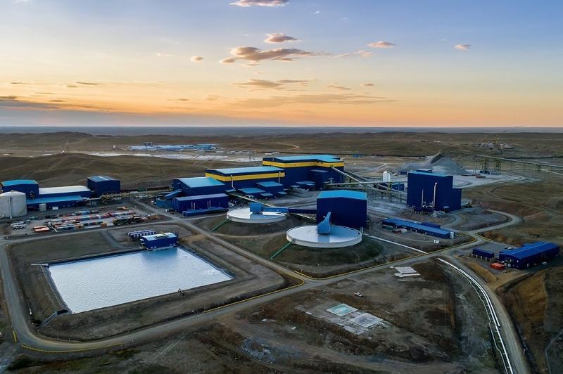 """哈萨克矿业公司向 """"我们在一起""""抗击疫情基金会转账22亿坚戈"""