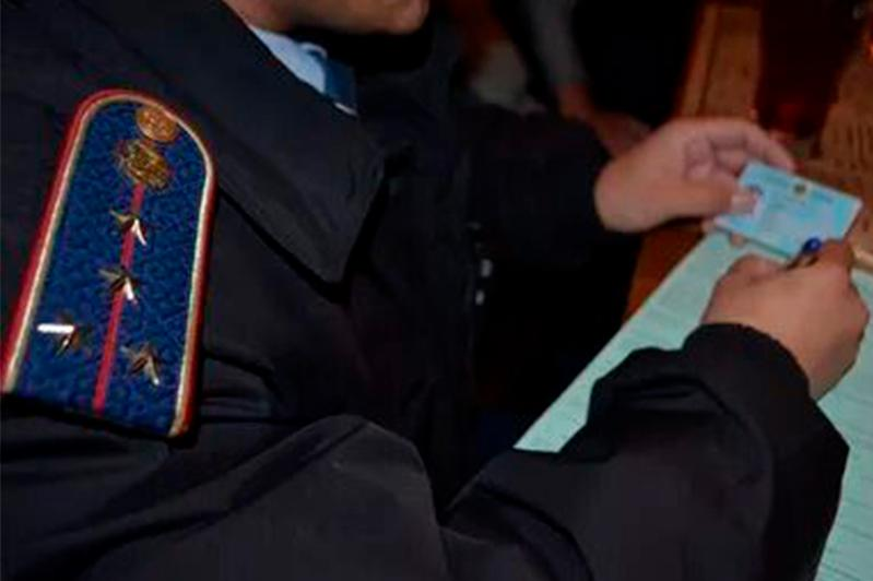 Транспортные полицейские задержали двух женщин за нарушение режима ЧП в столице
