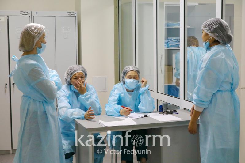 Коронавируспен күресте алдыңғы шепте ақ халатты абзал жандар тұр - Амалбек Өміртай