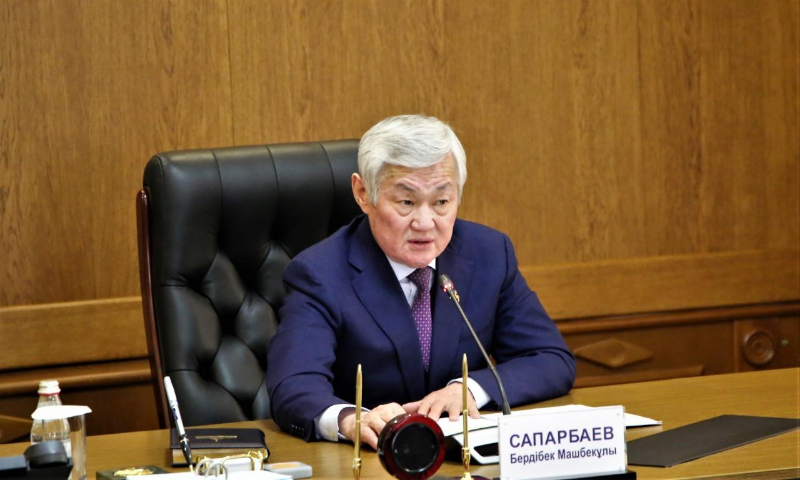 Не допустить роста цен и сохранить рабочие места поручил Бердибек Сапарбаев