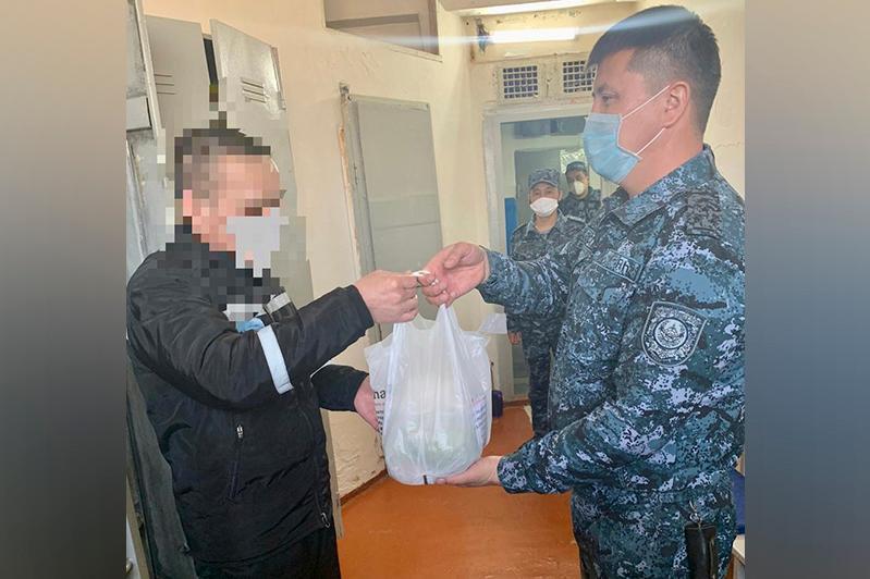 В Алматы следственно-арестованным бесплатно раздали продукты
