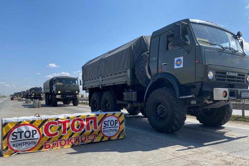 Дезинфекцию улиц проводят военные в Туркестане