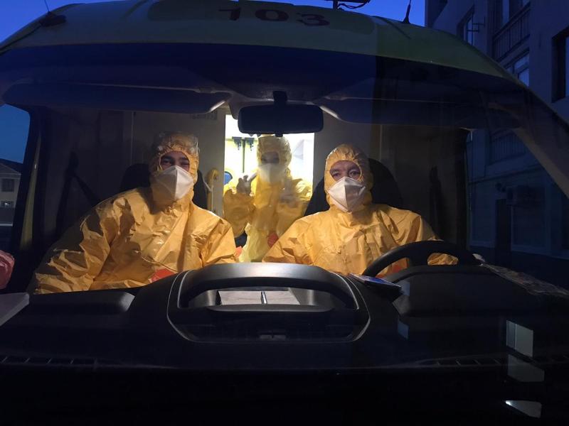 К людям подозрением на коронавирус выезжают три бригады скорой помощи вАтырау