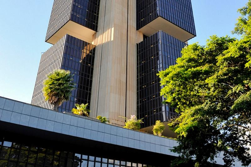 Central Bank of Brazil may release $124B into economy