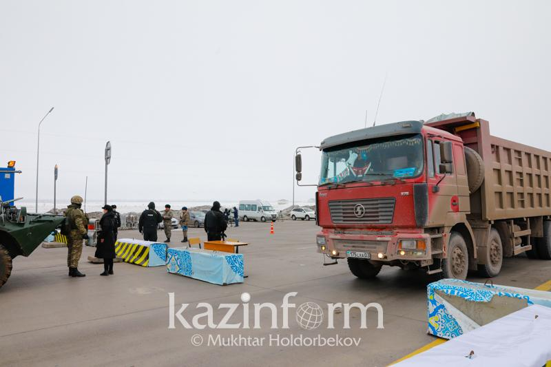 20 days of arrest for drunk driver who ploughed into roadblock in Almaty rgn