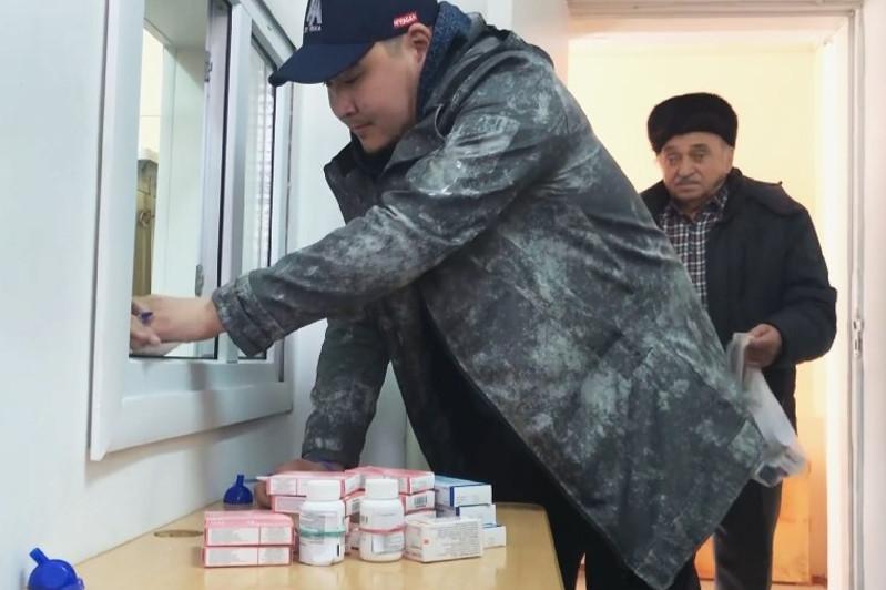 Пожилым людям доставляют лекарства на дом в Акмолинской области