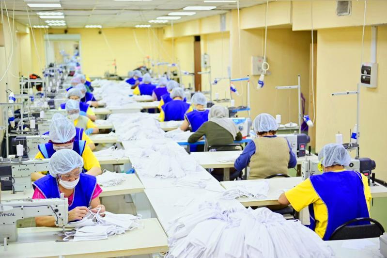 200 тысяч масок произведет актюбинская швейная фабрика для шахтеров и металлургов