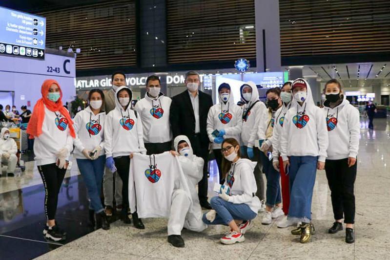Около 400 студентов вернулись в Казахстан из Турции