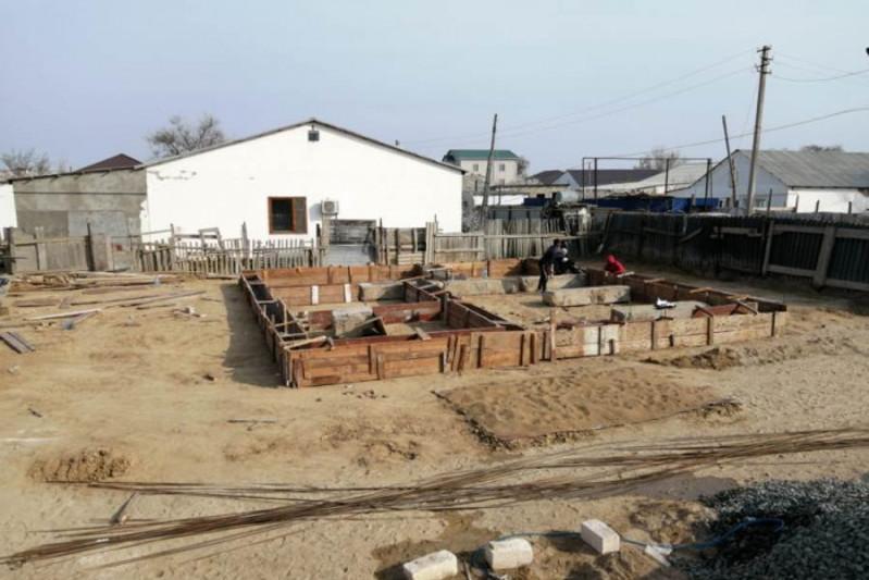 Волонтеры хотят построить дом для жительницы Атырауской области