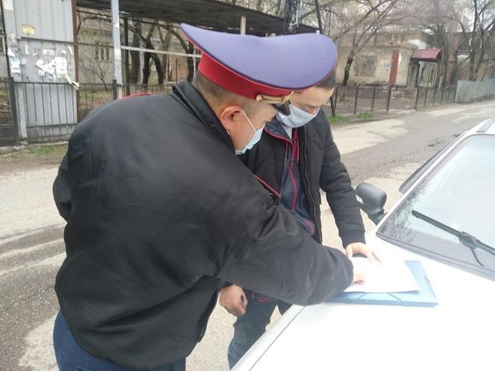 14 авто отправили на штрафтстоянку за игнорирование режима ЧП в Алматы