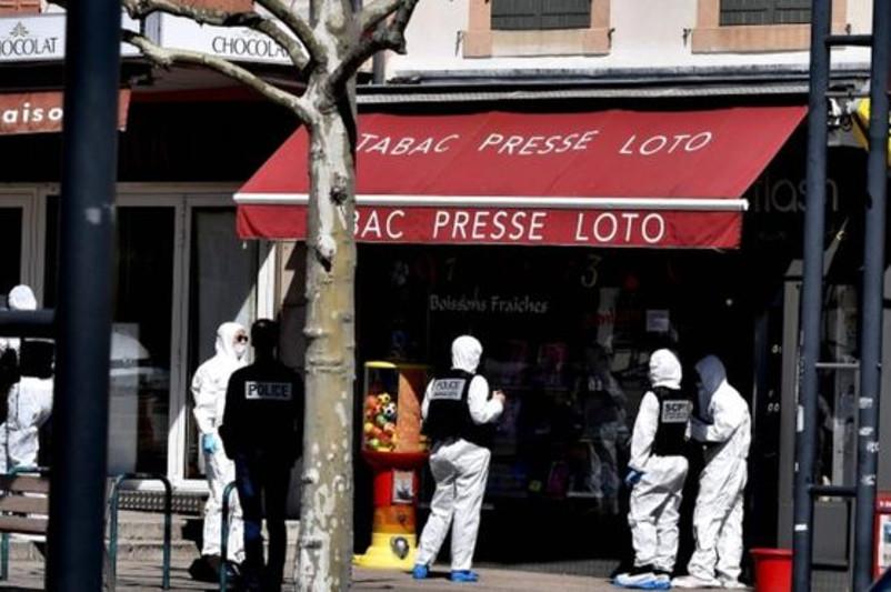 Францияда білгісіз біреу адамдарға пышақпен шабуылдап, 2 адамды мерт қылды