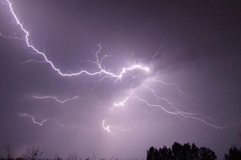 Град, гроза и сильный ветер ожидаются в Жамбылской области