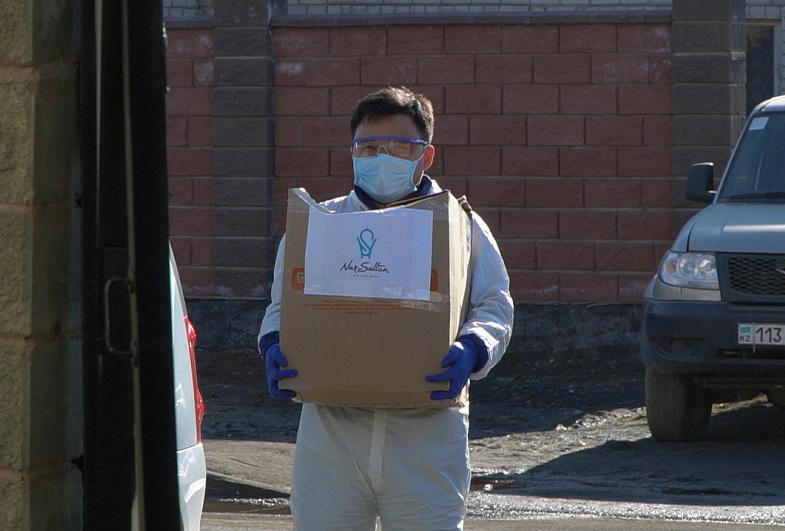 Жителям столицы оказывают помощь в рамках акции «Біз біргеміз»