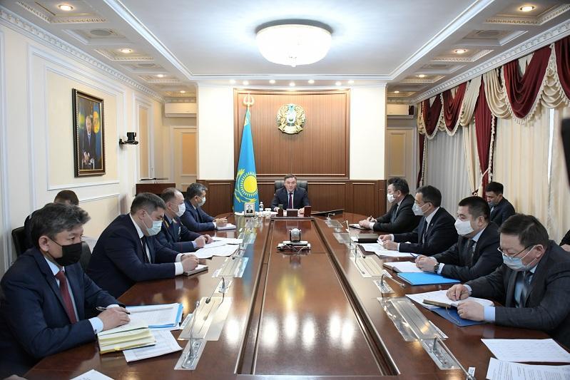 Аким Акмолинской области поручил строго  контролировать дистанционное обучение