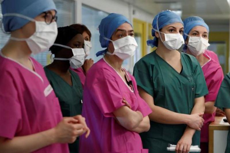 Во Франции зафиксировано рекордное число смертей от коронавируса за сутки