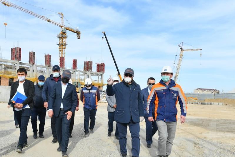 Умирзак Шукеев поручил подрядчикам привлечь дополнительную рабочую силу для строительства в Туркестане