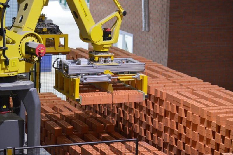 Какую долю составляет отечественная продукция в строительстве