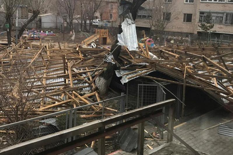Ақмола облысында қатты дауыл салдарынан 1  адам мерт болды