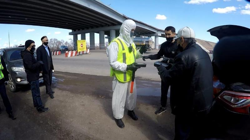 Қарағандылық кәсіпкерлер блокпостарға ыстықас апарып берді