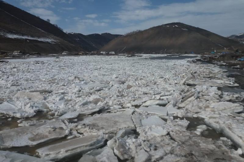 Реки Восточного Казахстана освобождаются ото льда