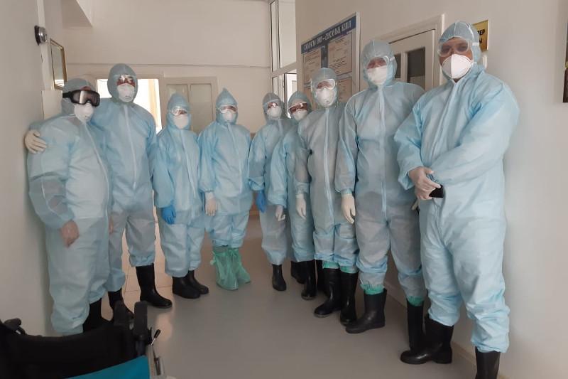 Түркістан облысында 400-ге жуық дәрігер коронавирус инфекциясымен күресіп жүр