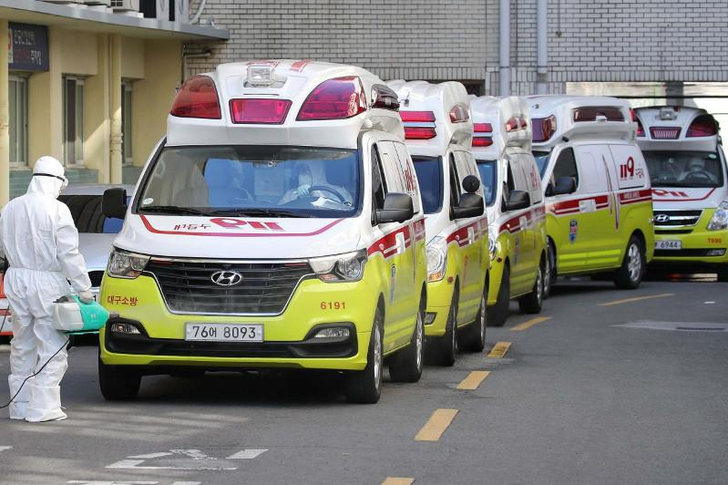Hotline service to begin for foreigners in Japan for coronavirus inquiries
