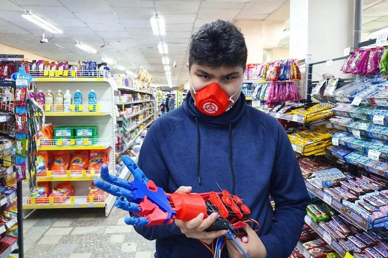 Kazakh student updates RoboRuka mechanic arm