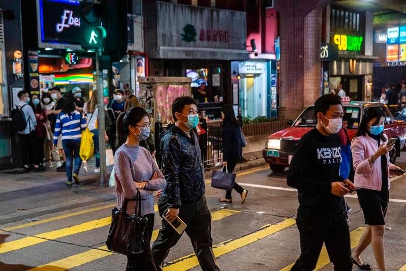 Миллиардер Гонконг тұрғындарына 10 млн масканы тегін таратпақ