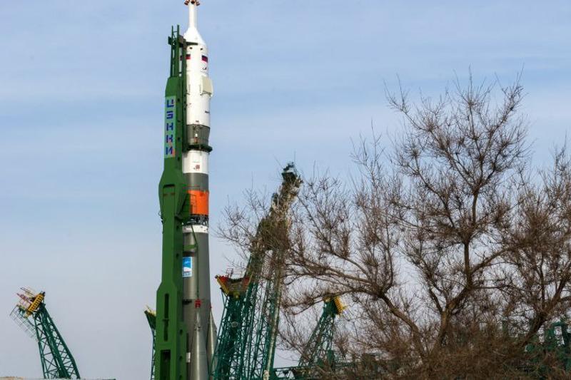 Roscosmos chairman thanks Kazakh PM for help in launching Soyuz MS-16