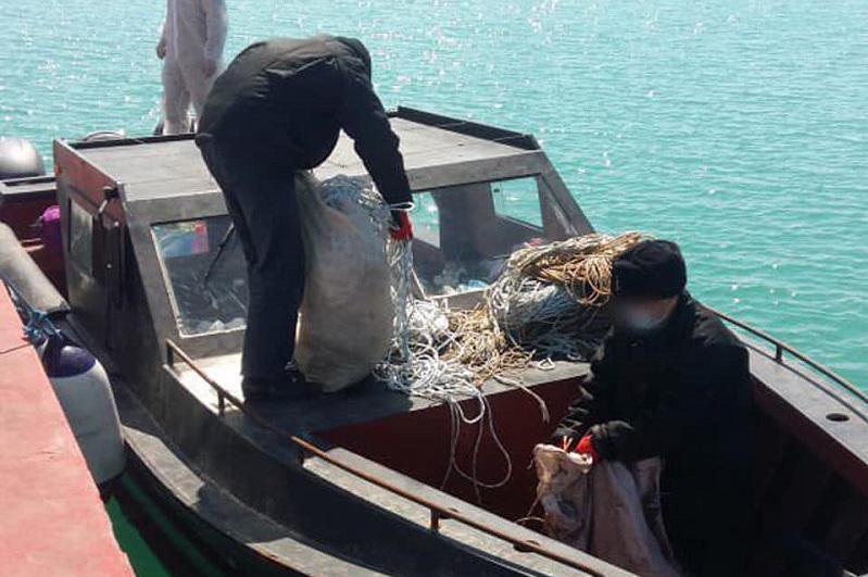 Казахстанские пограничники задержали на Каспии браконьеров из Азербайджана