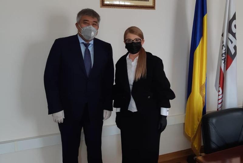 乌克兰祖国党主席对哈萨克斯坦的抗击疫情措施给予了高度评价