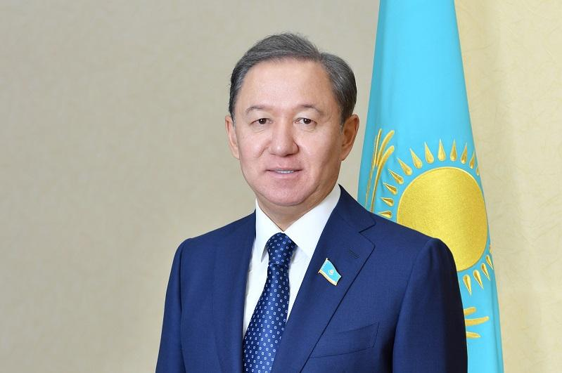 Нурлан Нигматулин поздравил казахстанцев с Пасхой