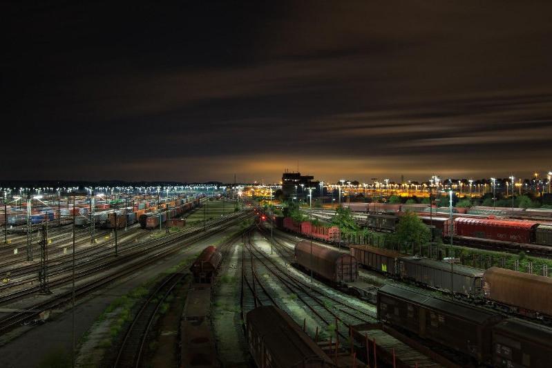 2020年前三个月我国铁路货运量同比增长2.1%