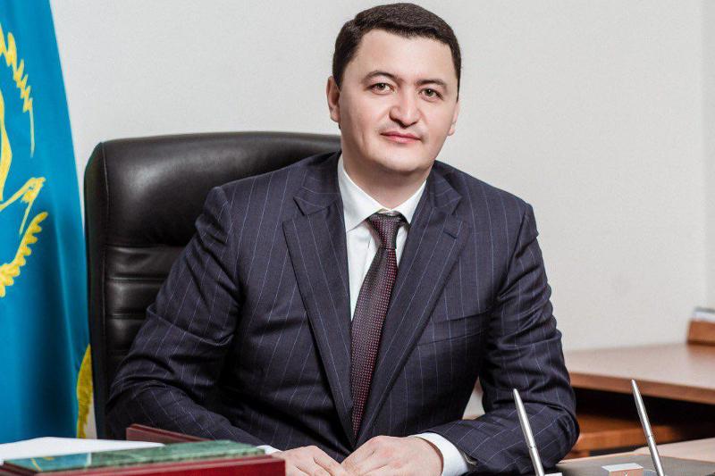 Камалжан Надыров освобожден от должности вице-министра здравоохранения