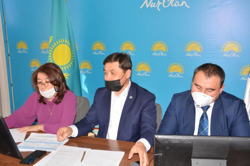«Nur Otan» партиясы түркістандықтармен тікелей эфир ұйымдастырды