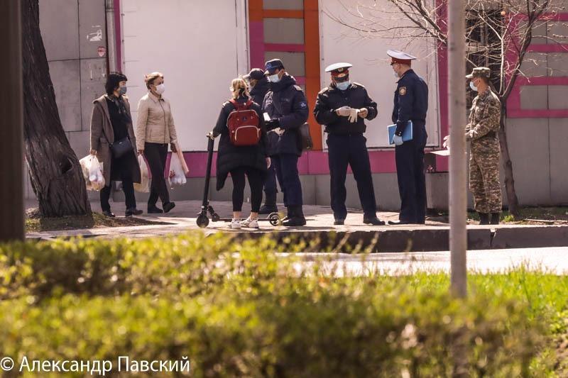 Более 16 тысяч казахстанцев задержали за нарушение режима ЧП