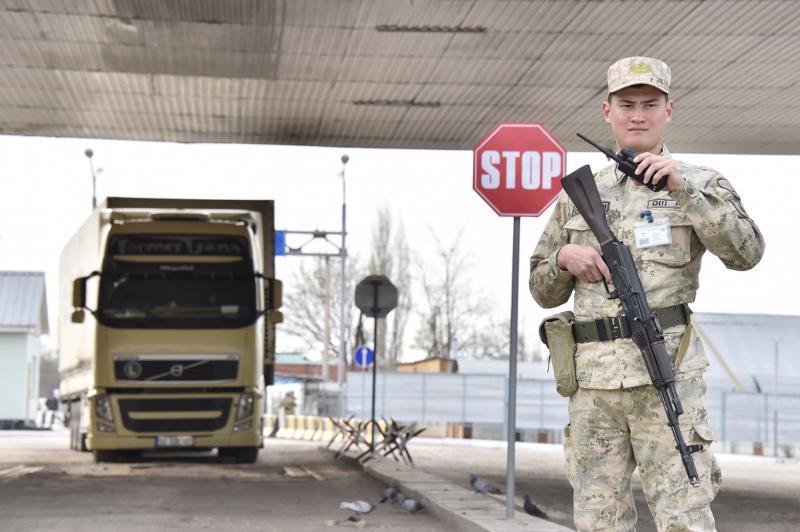 边防部门截获460万只企图非法出口俄罗斯的口罩